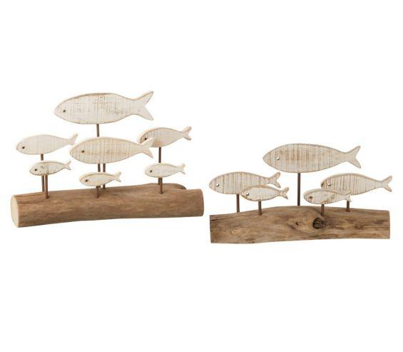 Scultura branco di pesci bianchi su ramo di quercia