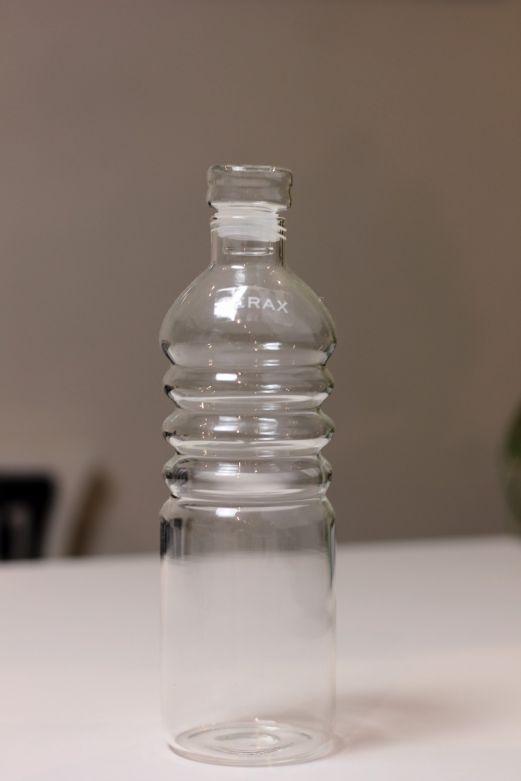 Bottiglia piccola: bottiglie di vetro con tappo ermetico Serax