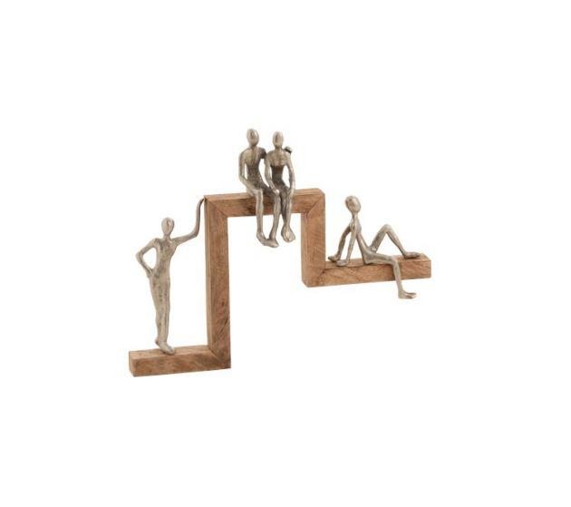 Statua 4 personaggi relax in alluminio su legno