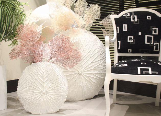 Vaso bianco da terra Foglia: vasi in resina alti di design