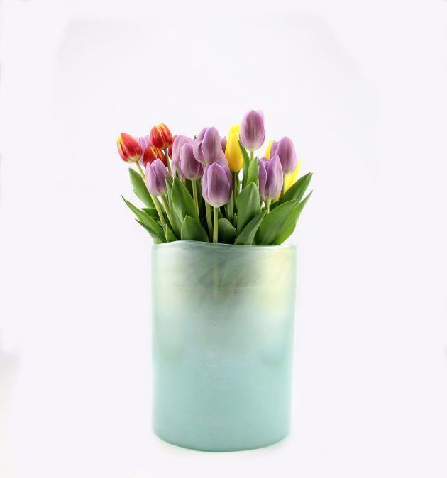Vaso celeste Light Blue H30: vasi in vetro satinato design Pomax