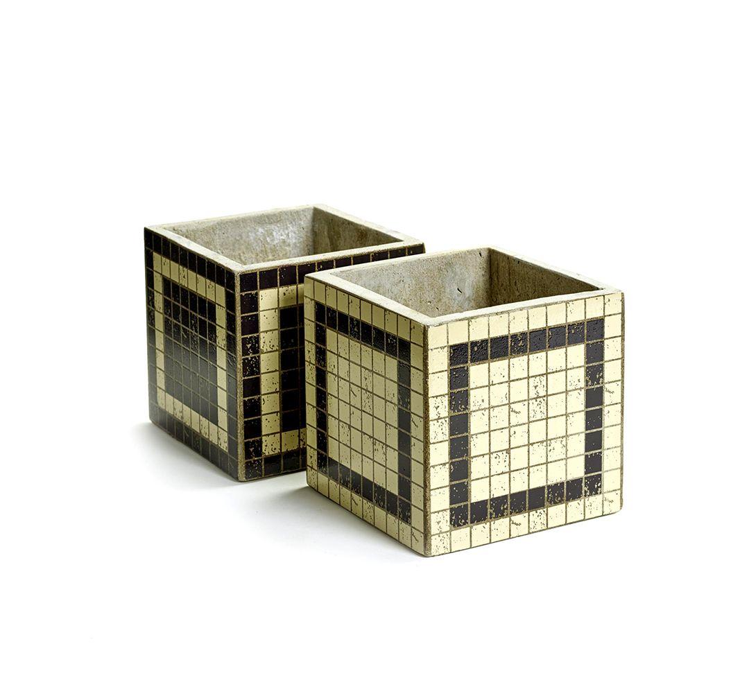 Vaso Mosaico Righe Marie: vasi in cemento da esterno o da interno Serax