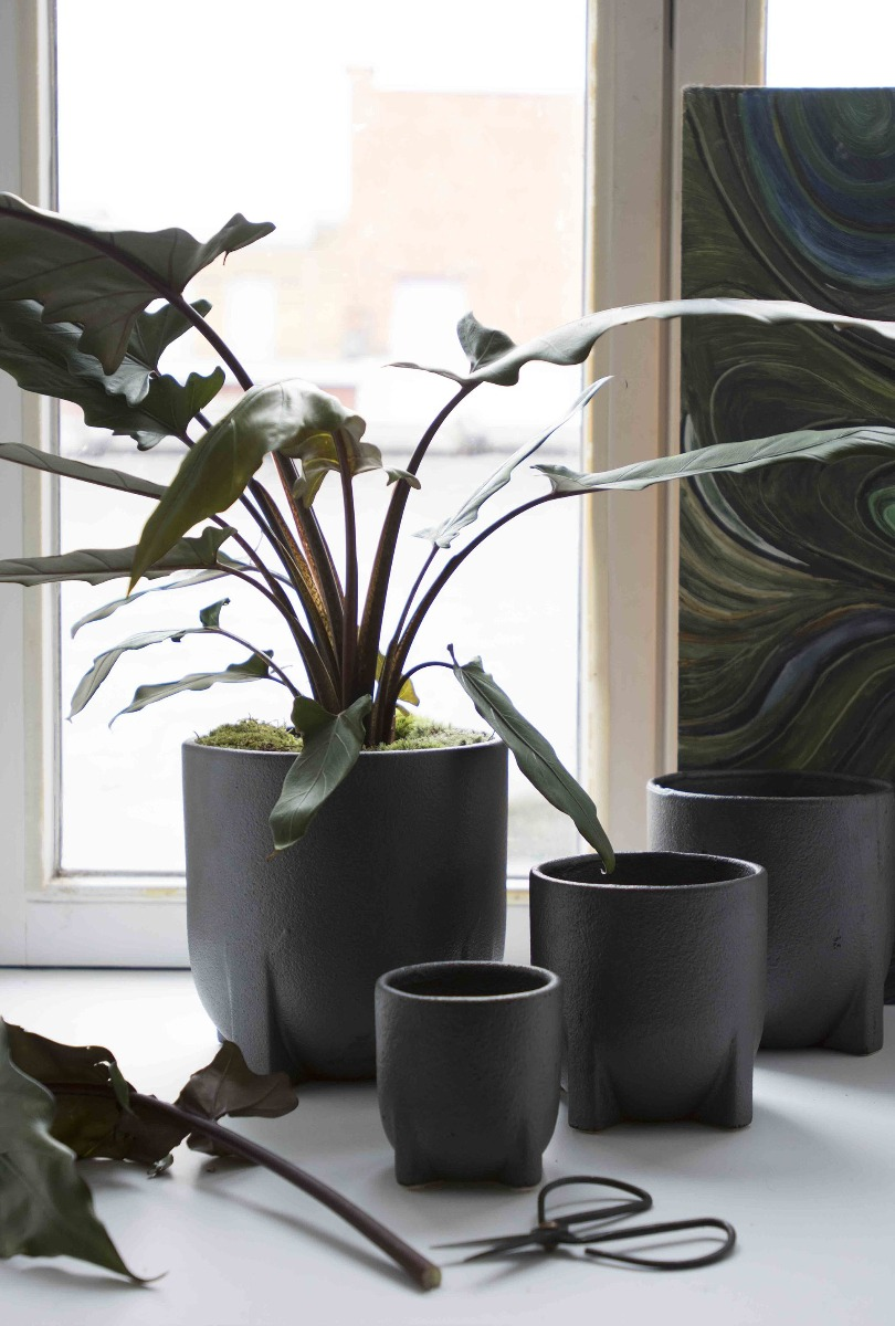 Vaso nero di terracotta Humble [vari]: vasi design D&M