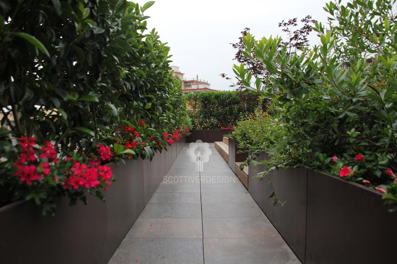 Giardino pensile sul terrazzo scottiverdesign - Giardino pensile terrazzo ...